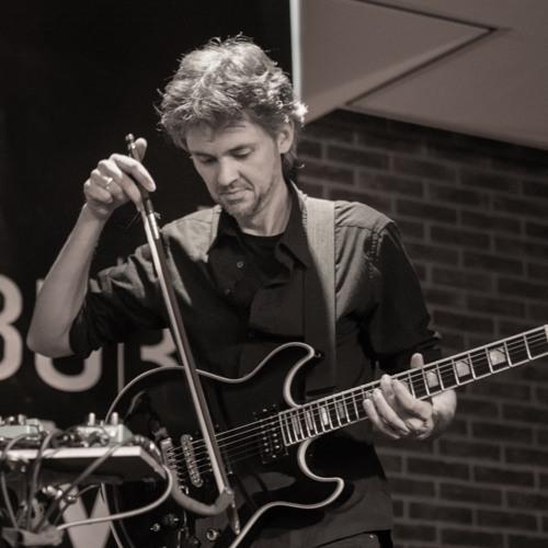 Florian Zenker – guitar.jpg